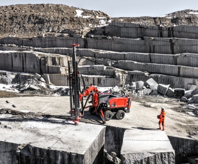 Sandvik_Commando DC300Ri in dimensional stone quarry_Photo_3.jpg